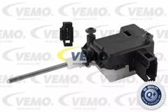 6NW 008 066-001 HELLA Control  central locking system Vehicle tank flap